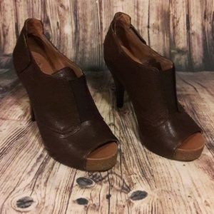Vince Camuto brown booties size 8